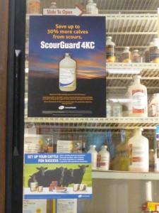 Erfolgsversprechen an der Kühlthekentür – Impfstoffe und Antibiotika gibt es in den USA rezeptfrei im Landhandel