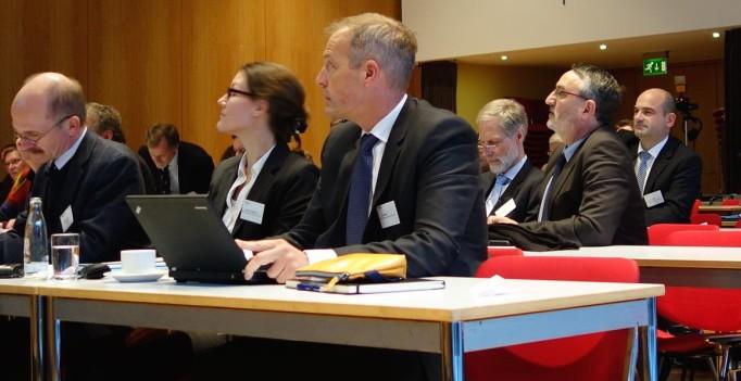 Plenum Fachdiskurs Dispensierrecht am 4.12.2014 in Berlin
