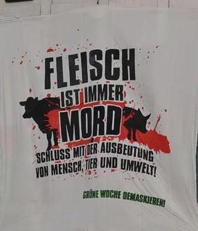"""Fleisch ist Mord – die andere Seite der """"Wir-haben-es-satt""""-Demo in Berlin."""