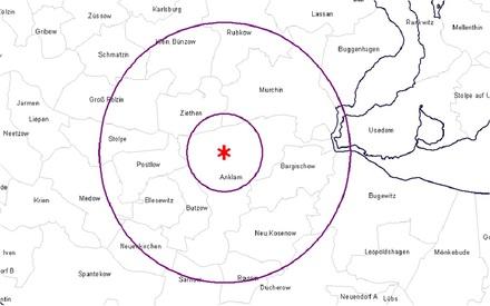 Sperr- und Beobachtungsgebiet um den neuen H5N8-Ausbruchsort Anklam/Mecklenburg-Vorpommern.