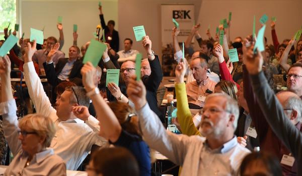 Klares Votum für den Forderungskatalog zum Thema Qualzucht – Hauptversammlug des 27. Deutschen Tierärztetages in Bamberg. (Foto: © WiSiTiA/hh)
