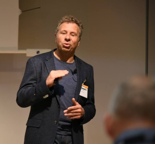 Thomas Rieker berichtete in München über den Verkauf seiner Klinik an AniCura. (Foto: © WiSiTiA/hh)