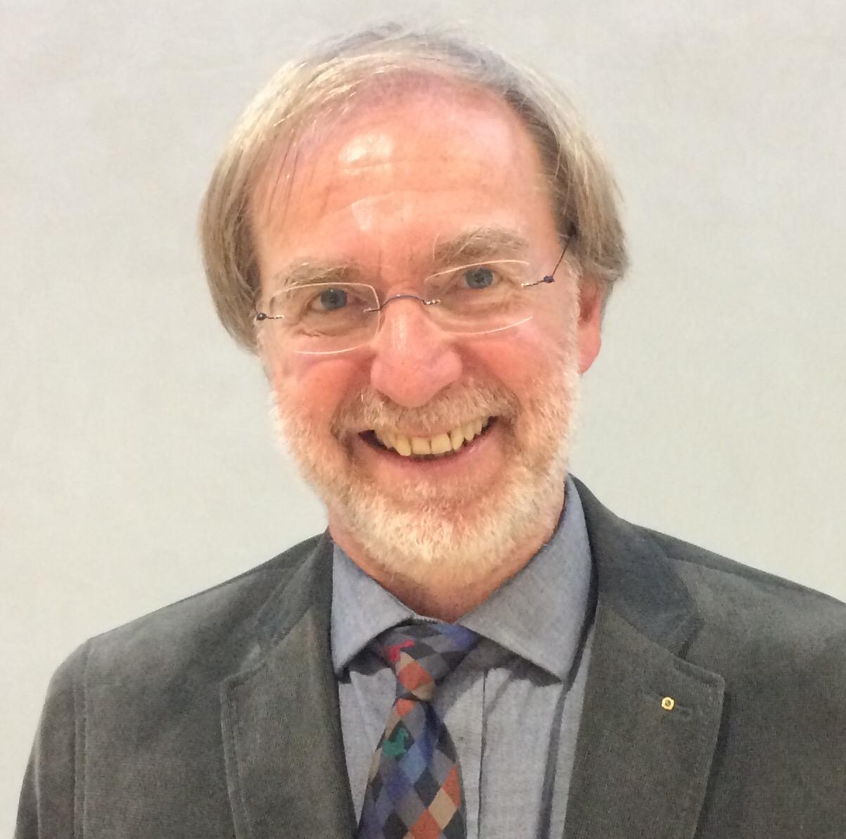 Freut sich über die klar gewonnene Stichwahl zum Amt des 2. bpt-Vizepräsidenten: Dr. Karlheinz Schulte (Foto: © WiSiTiA/jh)