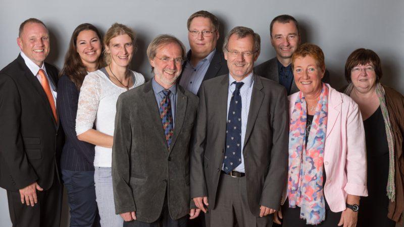 Das ab 1. November 2015 amtierende neue bpt-Präsidium (v.l.n.r.): Rolf Herzel, Dr. Maren Hellige, Dr. Uta Seiwald (Beisitzer), Karl-Heinz Schulte (2. Vizepräsident), Dr. Andreas Palzer (Beisitzer), Dr. Siegfried Moder (Präsident), Jan Wolter (Beisitzer), Dr. Petra Sindern (1. Vizepräsidentin), Anna Lam (Schatzmeisterin). (Foto: @bpt/Jan Rathke)