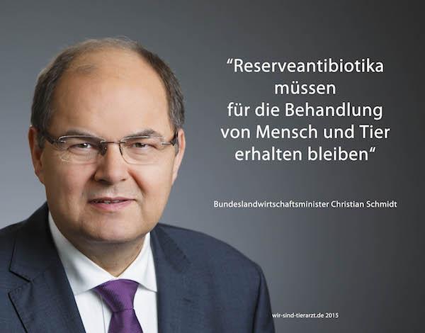 """Bundeslandwirtschaftsminister Christian Schmidt zum Eckpunkte-Papier """"weitere Regelungenfür den Einsatz von Antibiotika bei Tieren"""". (Foto: ©BMEL/Köhler - Montage: WiSiTiA/jh)"""