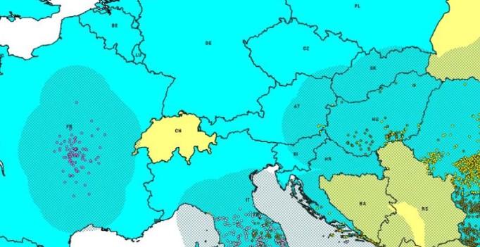 Karte mit BTV-Ausbrüchen und ungefährer Lage der Resitriktionszonen – Stand 30.11.2015 (Karte: © FLI/Risikobericht 7.11.2015)
