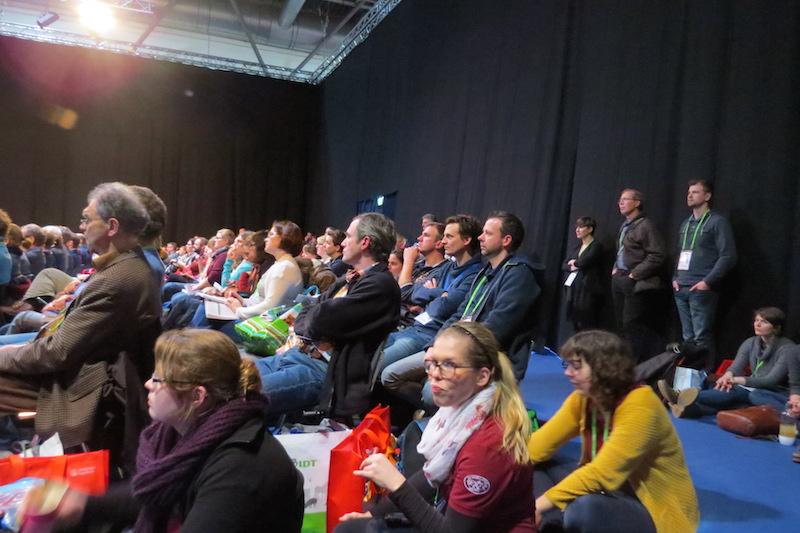 Vom Ansturm überrollt – mancher Vortragssaal war gefüllt bis auf den letzten Platz, inklusive Fussboden. (Foto: ©WiSiTiA/aw)