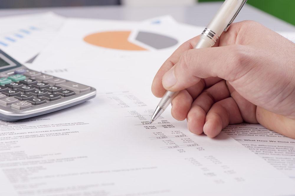 Zahlen zusammenstellen und vor allem richtig einordnen – Praxiswertermittlung ist eine Aufgabe für Profis.