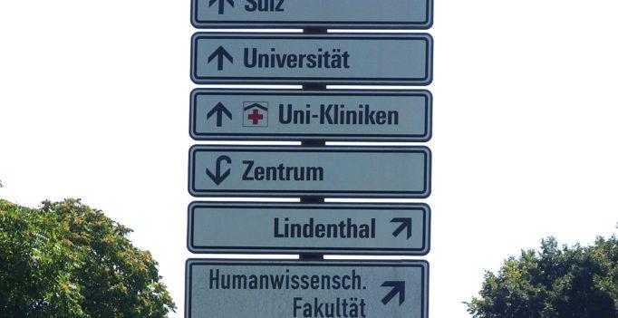 Wie kommen resistente Keime ins Krankenhaus? Als eine von sechs Unikliniken hat Köln dies untersucht: Zehn Prozent der Patienten sind bereits infiziert.